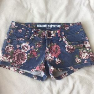 Mossimo cabbage rose jean shorts size 1